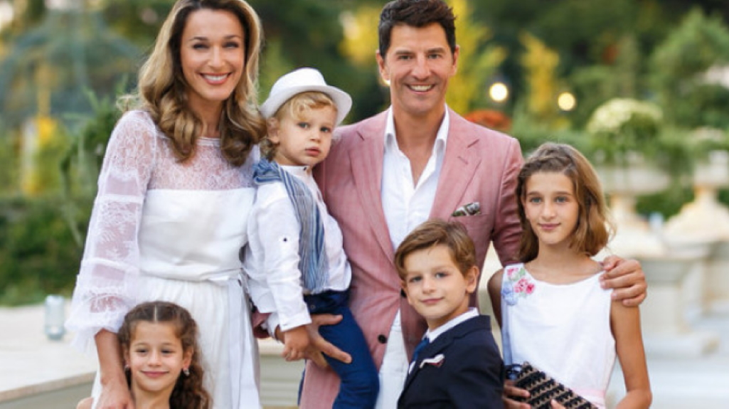 Family Trip: Έτσι ταξιδεύει η οικογένεια Ρουβά! | Znews